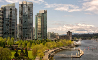 Vancouver is very walkable, with many pedestrian pathways along the waterfront as well as downtown