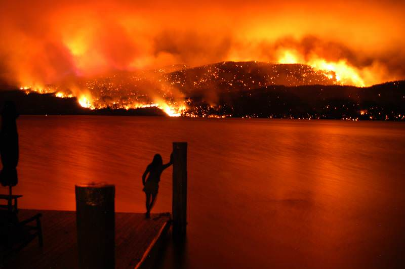 This was no minor fire - looking out across Lake Okanagan (via)